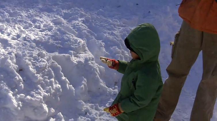 CA kid's first snowfall '11